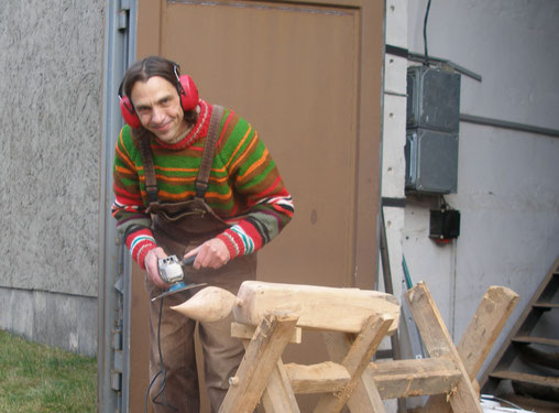 Thomas Gluschke, Holzkunst, Vielfarbenhaus, Spatzentraum, Holzberührungen