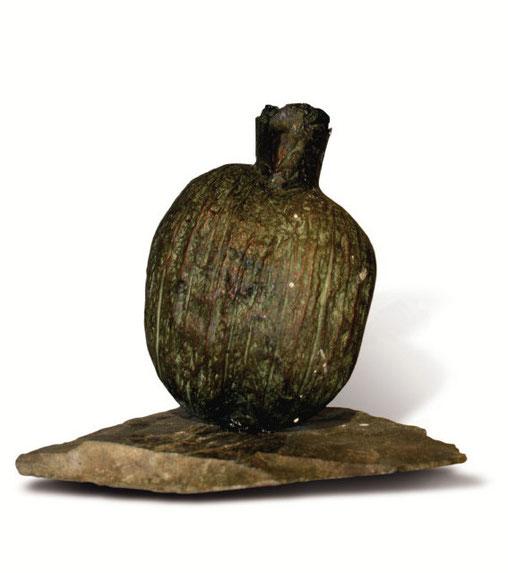 Vas cocos, bronz patinat, ardezie,  15 x 10 x 10 cm