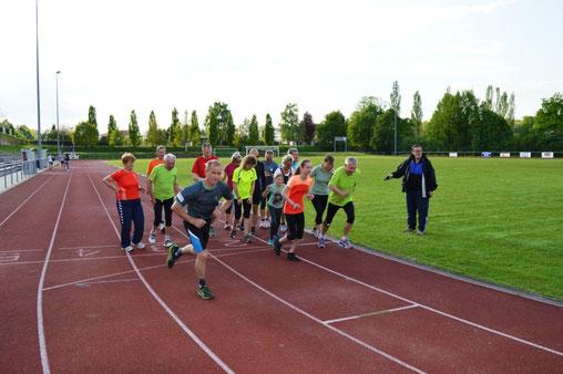 Der Startschuss zum 3. Lauf des KBC sowie zum 30 Minuten-Lauf des FSV Köthen