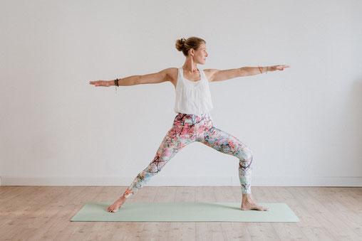 Yogaposition: Krieger 2