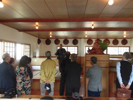 当理事長による坐禅堂での講演