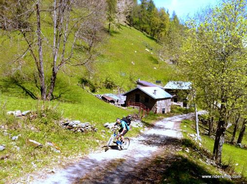 in procinto dell'Alpe Toglie le pendenze aumentano