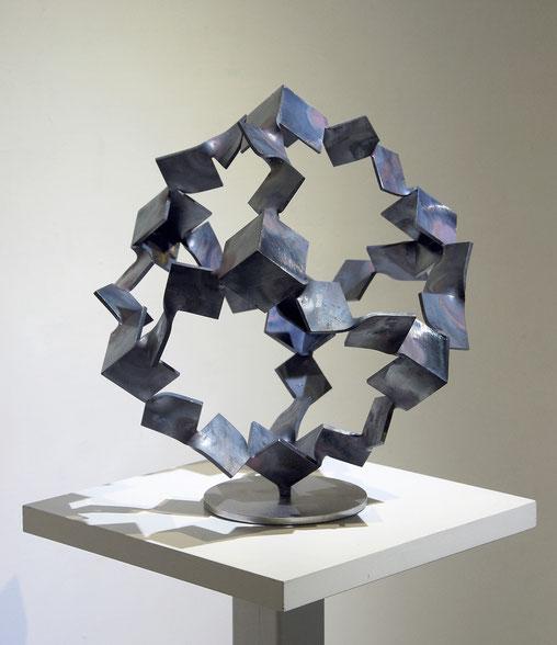 Metamorphosis - inside out  (No.M-54)  mild steel / H.45x44x44cm / 2015
