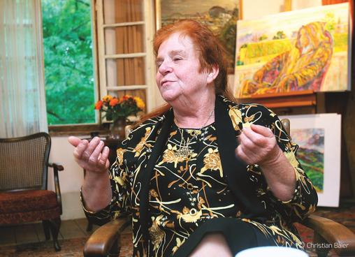 Bettina Heinen-Ayech dans son atelier de Solingen, 1998