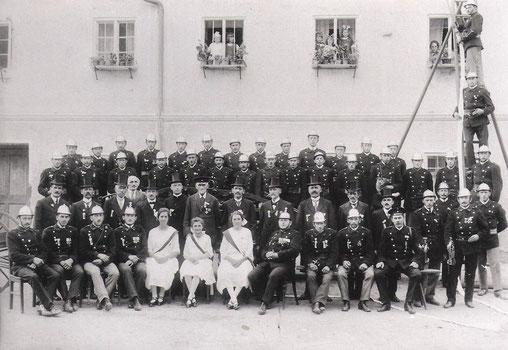 Ältestes vorhandenes Bild. Fahnenweihe 1912.