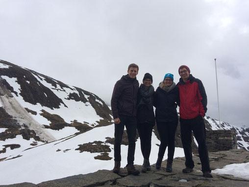 Tobias Hövener, Magdalena Kollbeck, Maria Korten und Martin Schäfer auf dem Gullsfjell bei Bergen