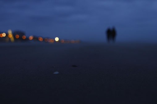 Zandvoort, beachwalk, twilight hour at the sea