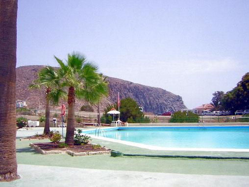 Die Apartments Casa Rayco befinden sich in dem bekannten Ferienort Los Cristianos im Süden von Teneriffa. geneüber vom Strand Playa Las Vistas , ideal zum überwintern