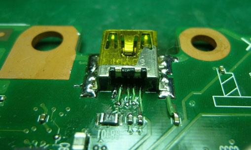 東芝 Qosmio710 miniUSBコネクタ 修復