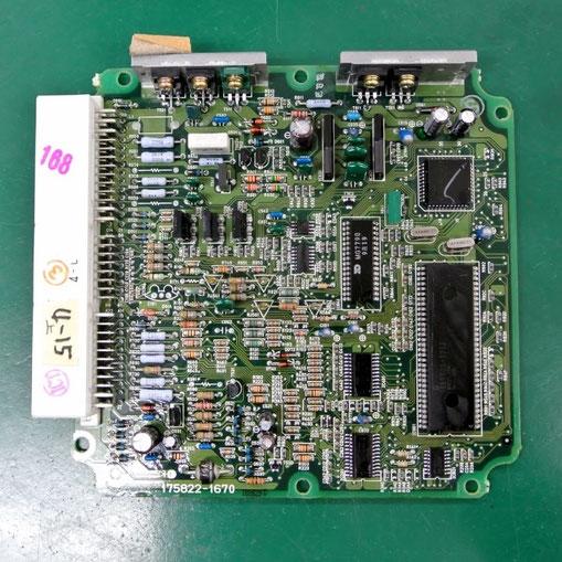 トヨタ ランドクルーザープラド ECU89661-60520 基板