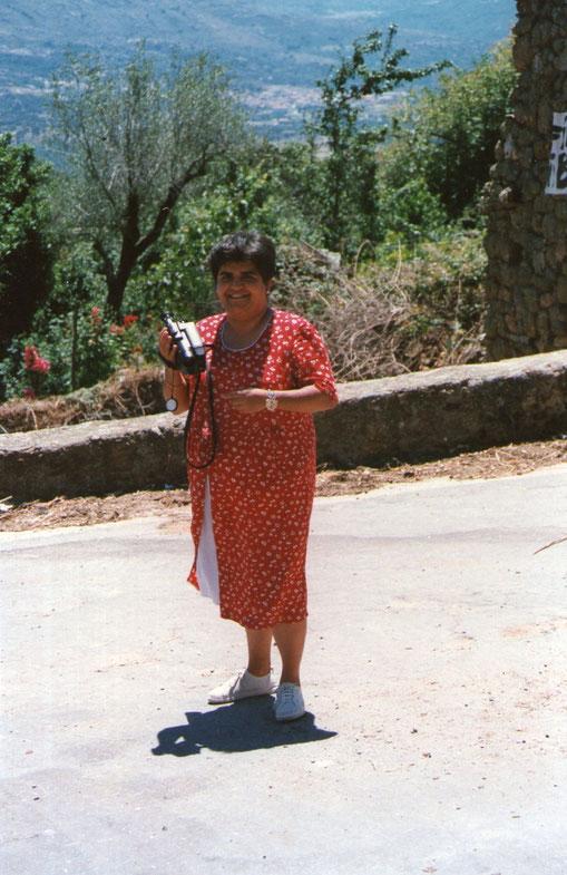 Mari Jose cámara en mano.