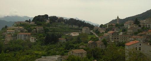 Het Corsicaanse bergland is fantastisch mooi.