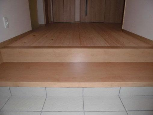 上がり降りしやすい玄関式台