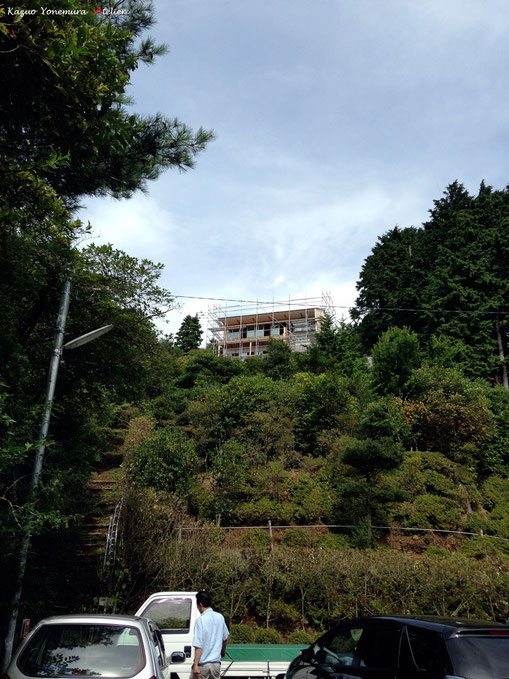 熱海、箱根、函南(かんなみ)の崖地の家