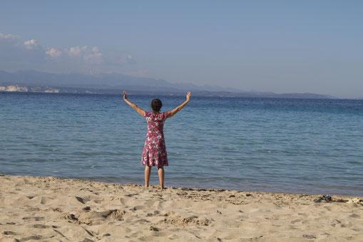 Qi Gong am Meer auf Sardinien.
