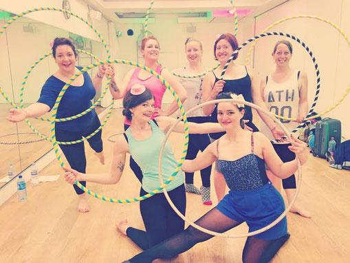 velvet hoopnroll EVJF hula hoop hoopdance paris