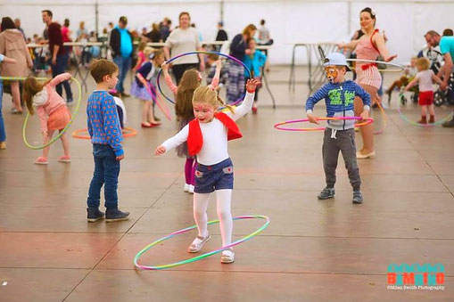 Velvet Hoopnroll - animation hula-hoop enfants paris