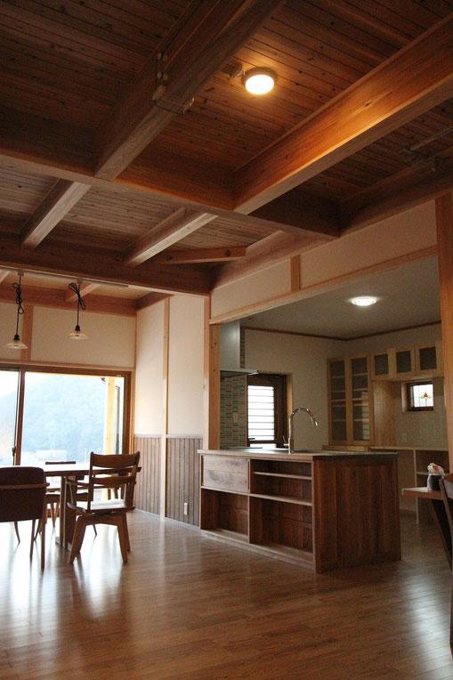 4世代で住む家のキッチン