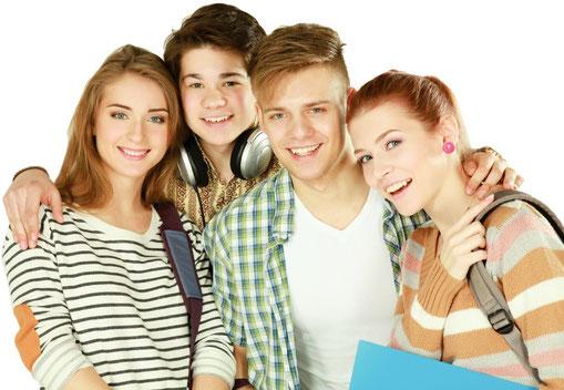 Besondere Prophylaxe-Tipps vom Zahnarzt für Teenager (© s_l - Fotolia.com)