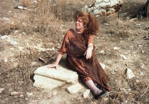Bettina in Guelaat Bou Sba bei Guelma (Algerien), 1989