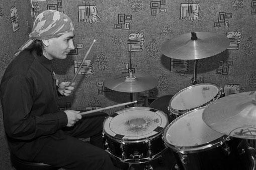Евгений Крюков, барабанщик, фолк-рок, Добрый Шубинъ
