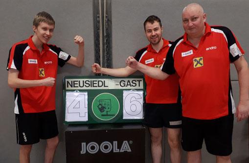 Jubeln nicht verlernt: Andreas Hammerschmid, Martin Kinslechner und Tomas Janci nach dem 6:4-Sieg in Neusiedl am See.