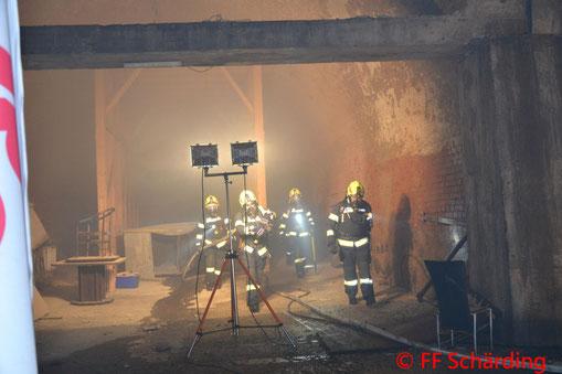 Feuerwehr; Blaulicht; FF Schärding; Brand; Gewölbekeller;