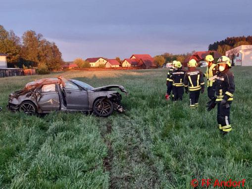 Feuerwehr; Blaulicht; BFKDO Schärding; PKW; Unfall; Suchaktion; Andorf;