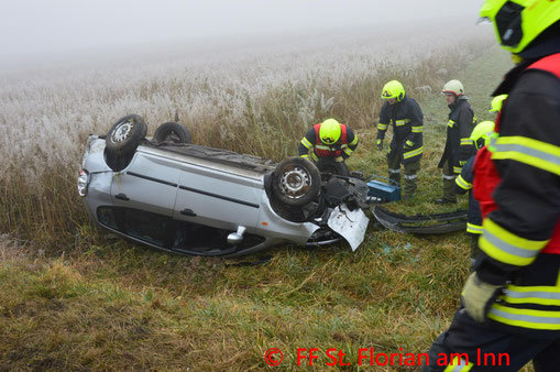 Feuerwehr; Blaulicht; BFKDO Schärding; PKW; Unfall; Frontalzusammenstoß; FF Münzkirchen; L515;