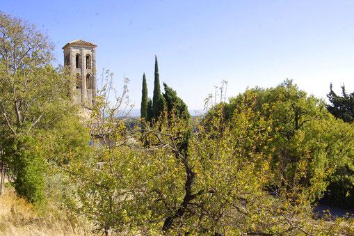 Le campanile de la chapelle romane Notre Dame d'Aubune