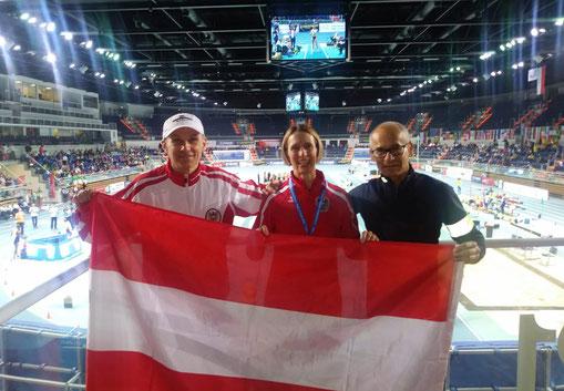 Klaus Kohout, Elisabeth Pöltner-Holkovic und Gerald Holkovic als stolze Vertreter Österreichs bei der Hallen WM der Masters 2019