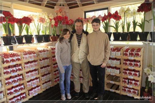 www.dutchgardenworld.com - hier kann man Blumenzwiebeln kaufen....