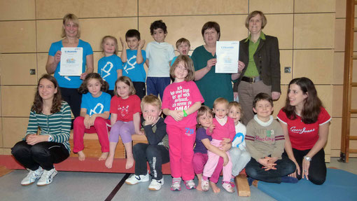Übergabe der Auszeichnung in der Schulturnhalle durch den Bayerischen Turnverband.