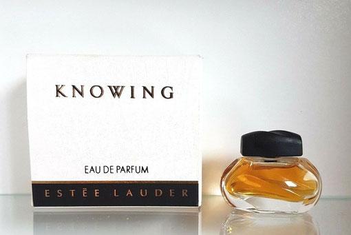 KNOWING - EAU DE PARFUM AVEC BOUCHON NOIR EN PLASTIQUE