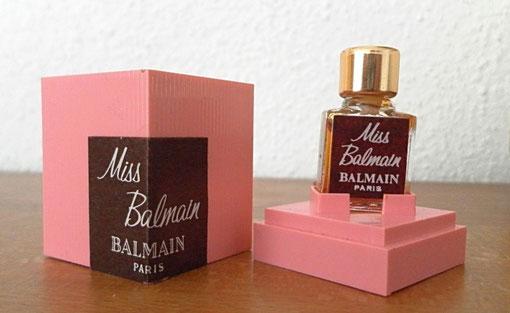 MISS BALMAIN - PARFUM 1 ML : PETITE MINIATURE DANS BOÎTE ROSE EN PLASTIQUE