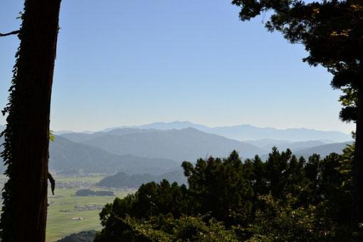 久しぶりに見る文殊山からの白山