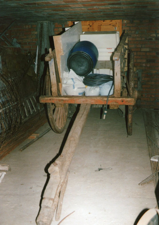 Carro del abuelo Ángel. Actualmente se encuentra en San Medel. Foto de Merche.