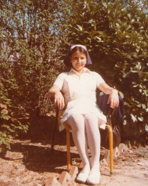 Alumna de enfermeria en la escuela universitaria.