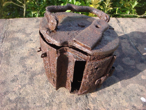 This MG42 50 round drum magazine was found in a Fallschrimjager position on Altuzzo