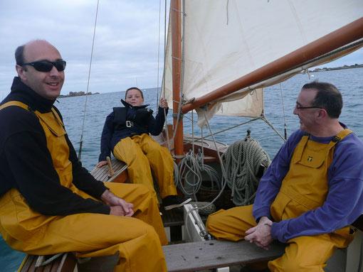 Route pêche, avec mes beaux-frères : trois hommes et deux mousses à bord