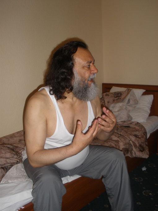 Моисей Лэпэдату из Кишинеу рассказывает о своей необычной жизни , очень даже интересной
