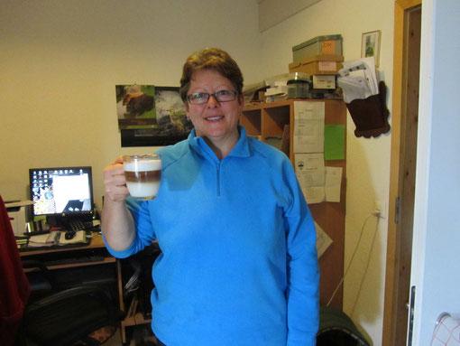 Brigitte Grimmer mit ihrem wohlverdienten Morgenkaffee