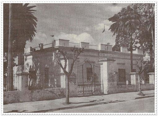 El viejo Colegio Normal de Quilmes, Av. Mitre entre Colón y Conesa.