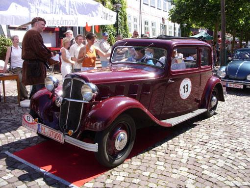 """Hanomag """"Rekord"""" von Pisoni/Thon aus Hannover. Baujahr 1933, 4 Zyl., 1504 ccm, 35 PS, Sitze: 98 km/h"""
