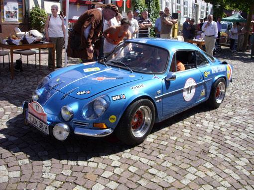 """Teilnehmer an unzähligen Rallye-Schlachten und dabei sehr erfolgreich: Renault Alpine A 110, genannt """"Die Flunder"""":"""