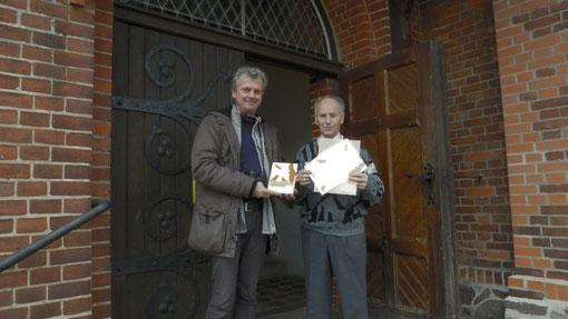 Ausgezeichnet! Kirchgemeinde ( Fritz Baumann) vom NABU (Toni Becker)