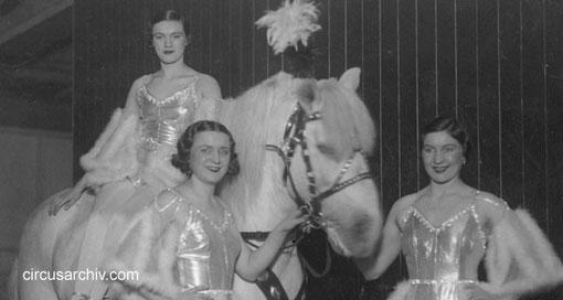Theresa, Anita & Wanda Medrano - 1934