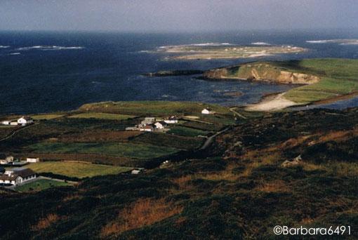 Blick von der Sky Road bei Clifden, Connemara, Co. Galway, altes Analogfoto