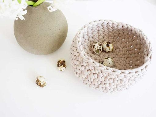 Schlichte Topflappen aus Textilgarn stricken mit Strickset von Wooltwist