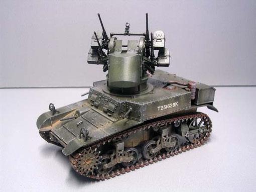 Prototyp eines M3 Stuart Flakpanzer mit 12,7mm Maxson-Turm